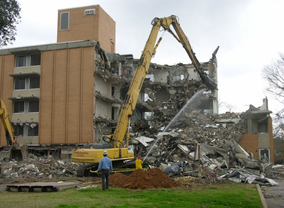 Reasons for Seeking Help When Embarking on Demolishing Project